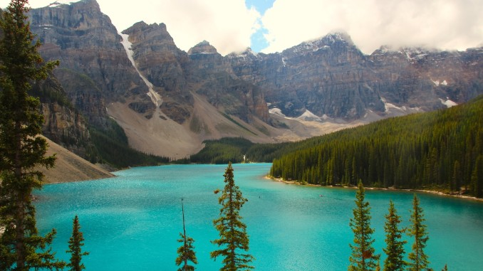 001 - Moraine Lake & Valley of the Ten Peaks