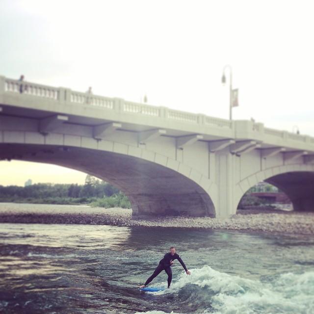 004 - Quinlan Surfing 10th Street Wave (Britta Kokemor Quinlan)