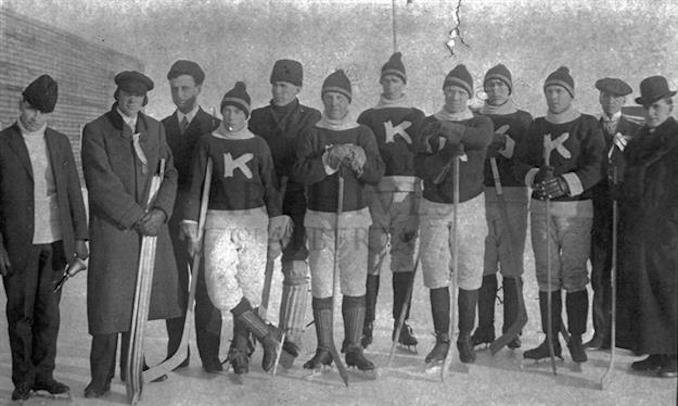 1907 - A15239 - Kitscoty team