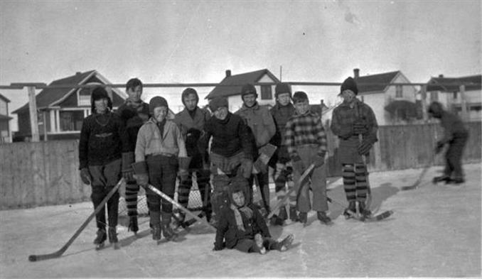 1931 - A9569 - St. Stephen's Team [Edmonton]