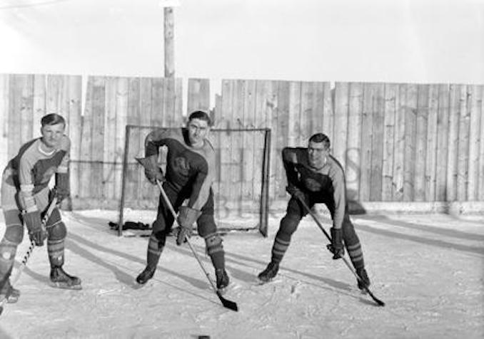 1948 - G706 - Smoky Lake hockey team, Smoky Lake, Alberta