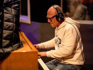 """Five Minutes With"" Calgary based musician Esteban Herrera"